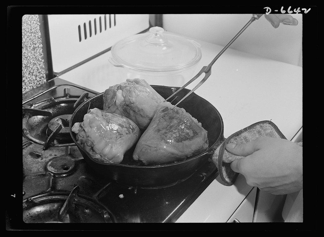 同樣出自美國二戰「分享肉類」(Share the meat)食譜中的燉牛心(br...