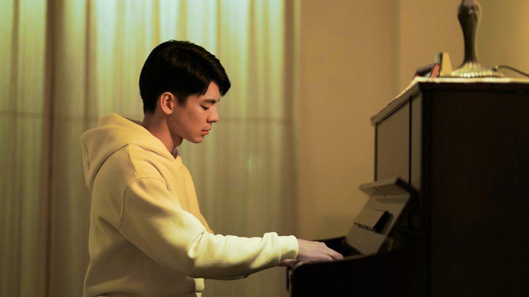 林柏宏在消防職人劇「火神的眼淚」中飾演消防員張志遠,由於角色出身音樂世家,零鋼琴