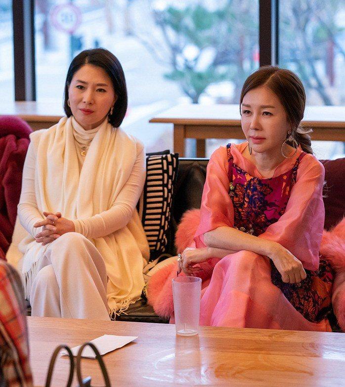 朴俊錦(右)在「沒有第二次」中要與妯娌鬥智。圖/緯來戲劇台提供