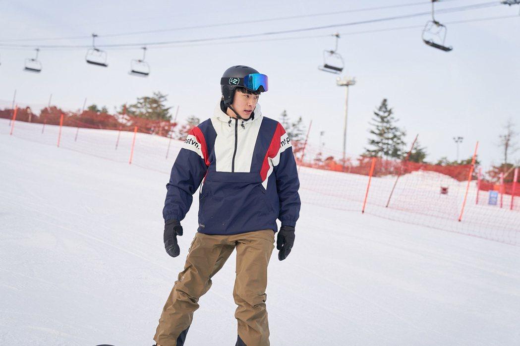 劉太旿在片中詮飾殘障奧運滑雪板項目的國家選手。圖/華映提供