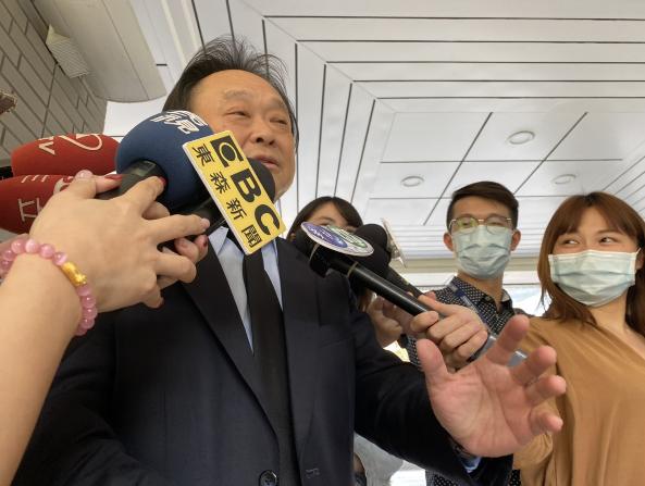 高嘉瑜當著蔡英文總統的面,推舉台北市議員王世堅參選台北市長,王世堅會後受訪坦言:「我驚呆了!」記者/林麗玉攝影