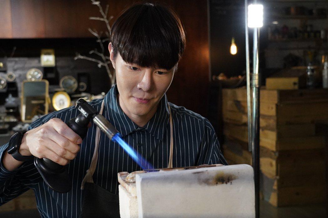 吳珝陽在「我在追劇找世界」中,角色為內向大學生。圖/伊林娛樂提供