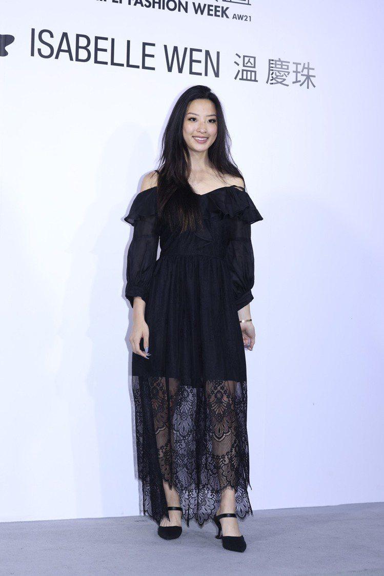 歌手范怡文的女兒張惟妮出席溫慶珠秋冬大秀。記者王聰賢/攝影