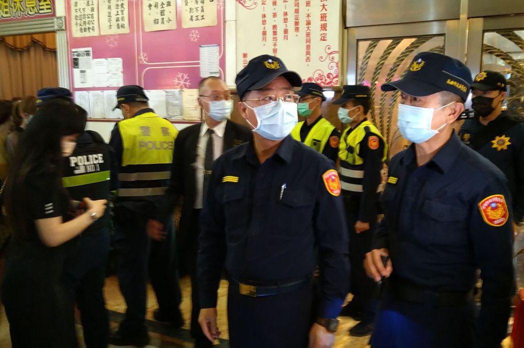 圖為高雄市警察局長黃明昭(中)。 圖/聯合報系資料照
