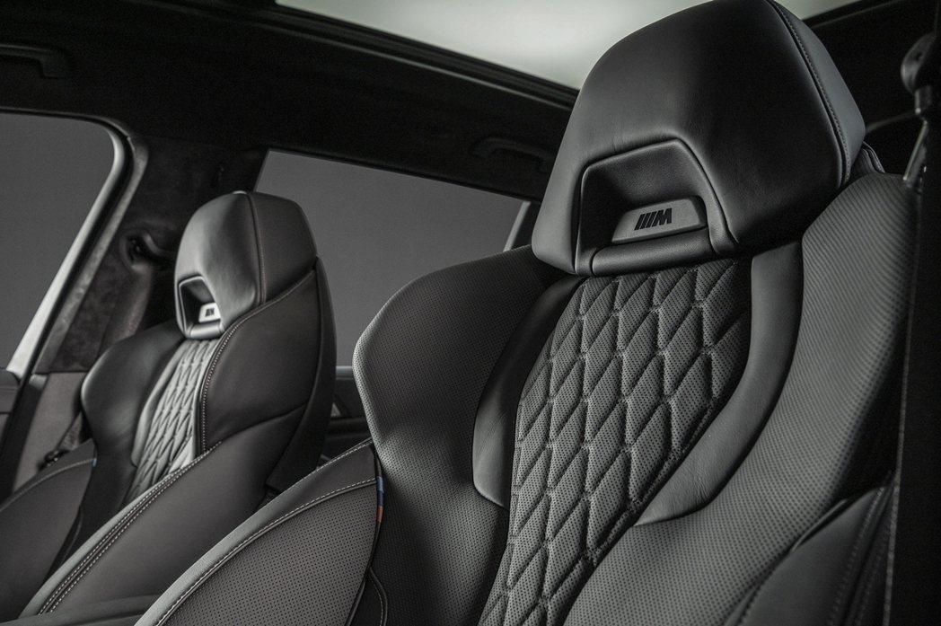 BMW X7 Dark Knight曜黑版配備Vernasca真皮內裝與M雙前座...