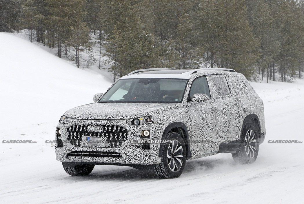 疑似全新Audi Q9偽裝車被捕獲。 摘自Carscoops