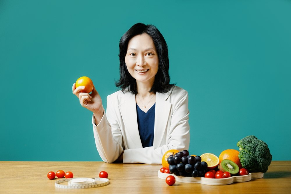 美國註冊營養師陳頡燕建議一定要「健康吃,健康瘦」,最重要的是保持開心的心情,才可...