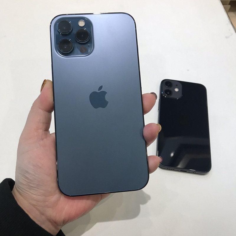 一名網友表示自己用過iPhone和安卓手機,準備要換手機了卻還是猶豫不決,想問大家「堅持拿哀鳳的原因」究竟為何。示意圖。記者陳立儀/攝影