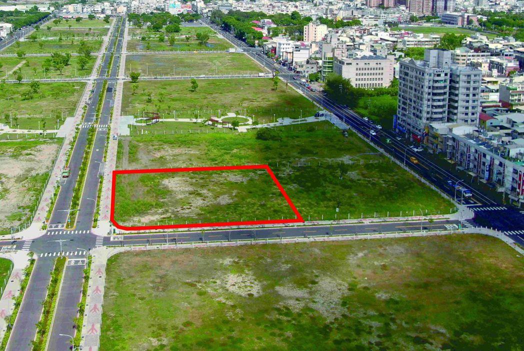 岡山第87期重劃區面積1,115坪土地,區位條件好,一如外界預期順利標脫。 地政...