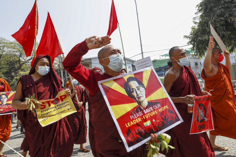 緬甸勢力最大的佛教僧侶組織呼籲軍政府停止對示威者施加暴力。 美聯社資料照