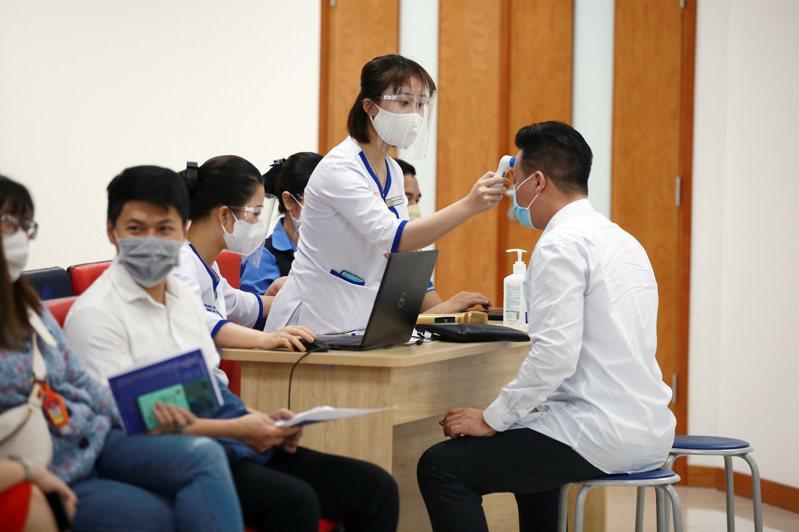 大專體總今天表示,成都世界大學運動會的COVID-19防疫計畫,是由國際大學運動總會負責審查,並非由主辦城市決定,且防疫計畫中也未提及將採「肛篩」模式進行檢驗。 歐新社