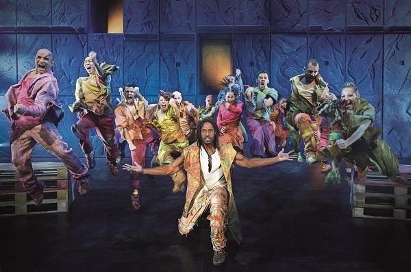 法文音樂劇《鐘樓怪人》舞蹈設計炫麗吸睛。圖 / 聯合數位文創提供