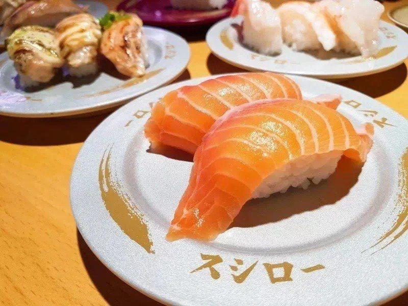 不少民眾為吃免費壽司,手刀改名成「鮭魚」。圖/聯合報系資料照片