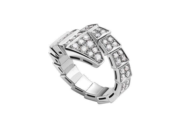 BVLGARI Serpenti Viper系列白K金鑽石戒指,57萬3,000...