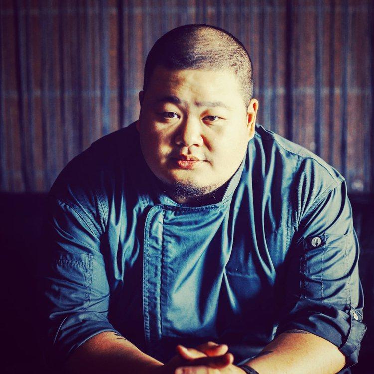 蘭餐廳主廚李信男。圖/摘自Nobu Lee臉書。