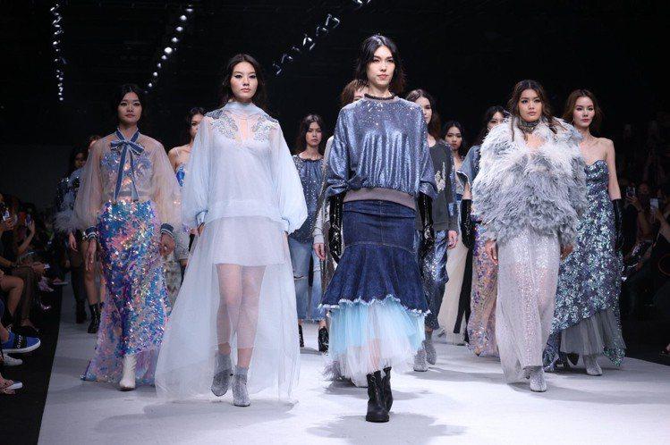 溫慶珠於台北時裝周壓軸發表2021秋冬系列。記者王聰賢/攝影