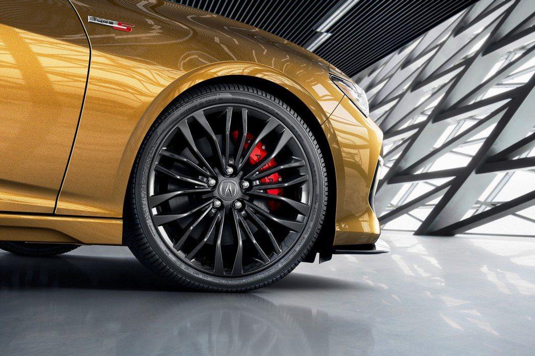煞車系統還是前四活塞Brembo卡鉗配置。 摘自Acura