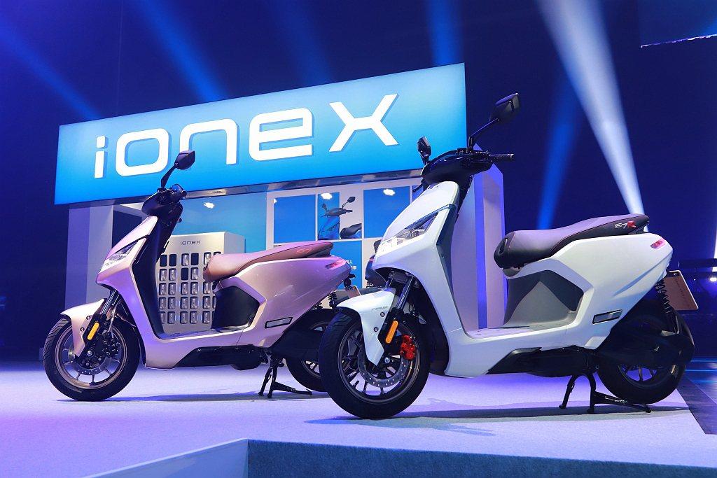 KYMCO將透過獨立於現行經銷體系外的全新Ionex專屬電動車門市,為Ionex...