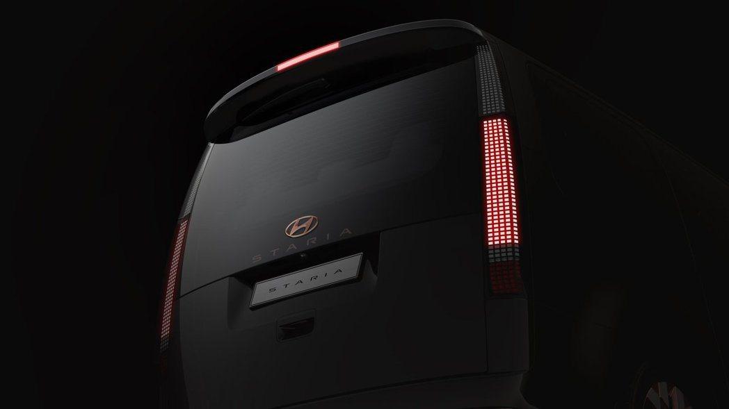 Hyundai Staria Lounge尾燈設計採用與IONIQ 5相同的模式...