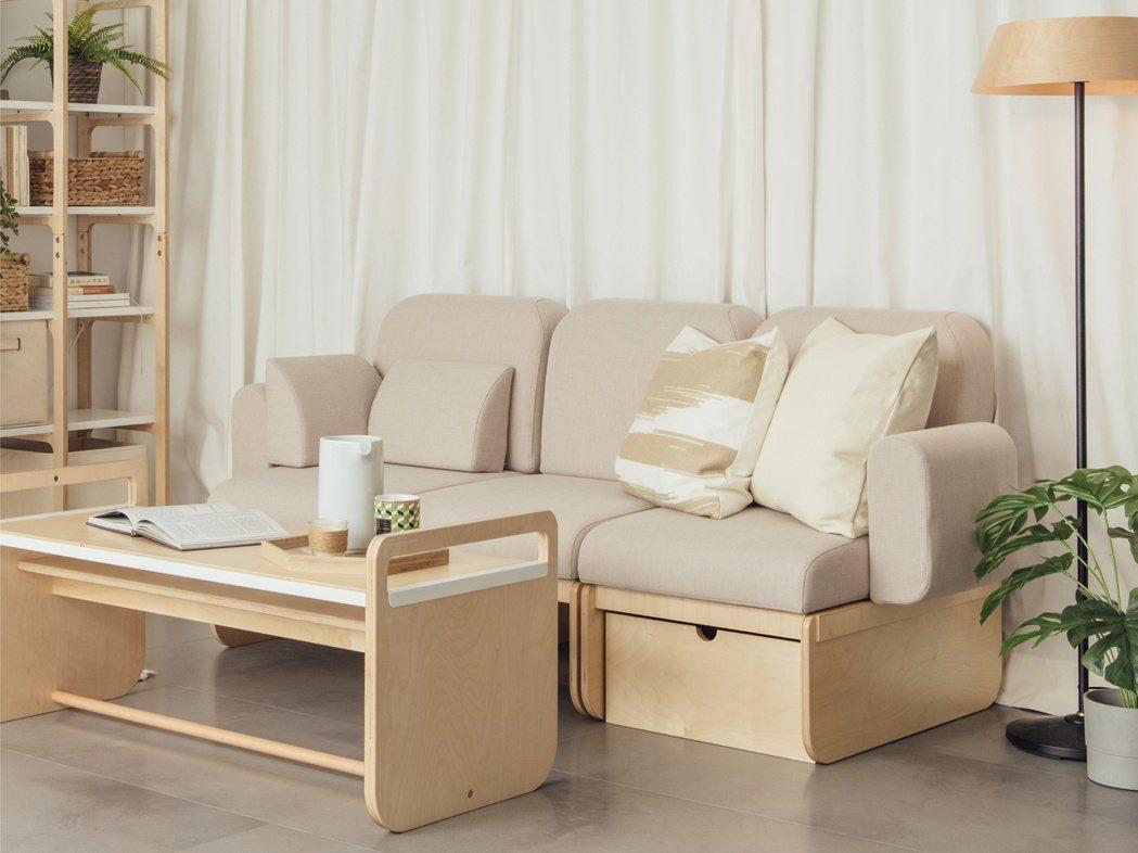 由新生代女力組成的設計品牌「走走家具」,強調美感、簡易組裝及環保,避免搬家時丟棄...