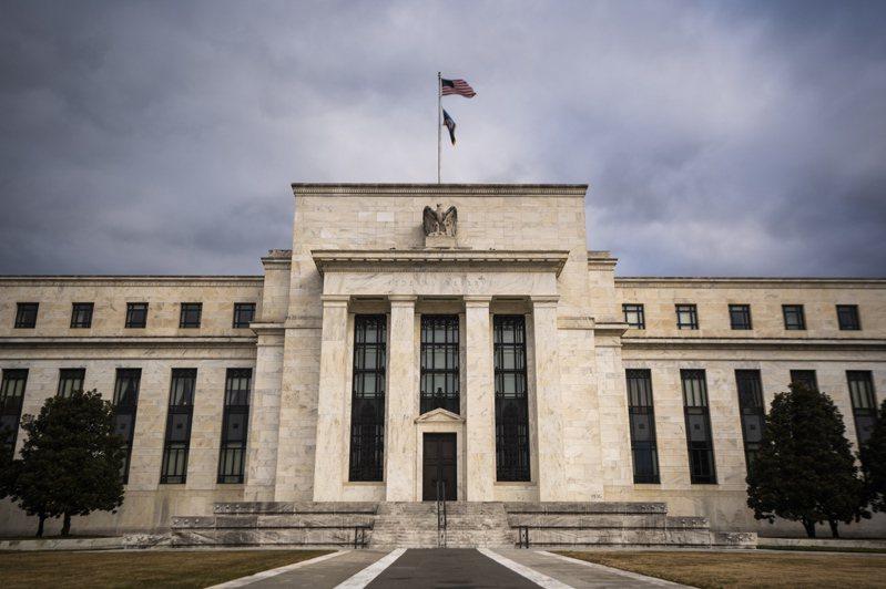 聯準會(Fed)在3月的決策會上維持鴿派立場,美元和美債殖利率走軟,美股則走升,道瓊與標普500指數連袂改寫新高。   歐新社