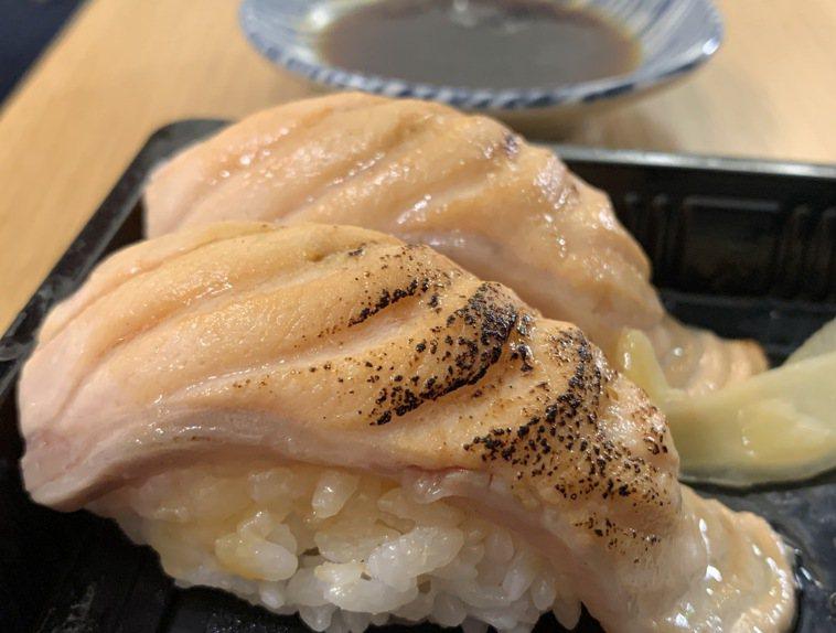 全台瘋鮭魚吃到飽。圖/市立醫院提供
