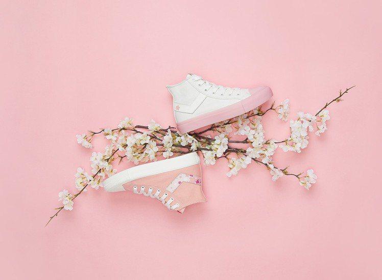PONY櫻花特別版Shooter系列帆布鞋1,980元。圖/PONY提供