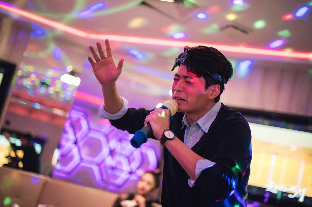 侯彥西在「我叫梁山伯」中飾演王傳一的經紀人,戲裡有不少爆笑演出。圖/緯來電影台提...