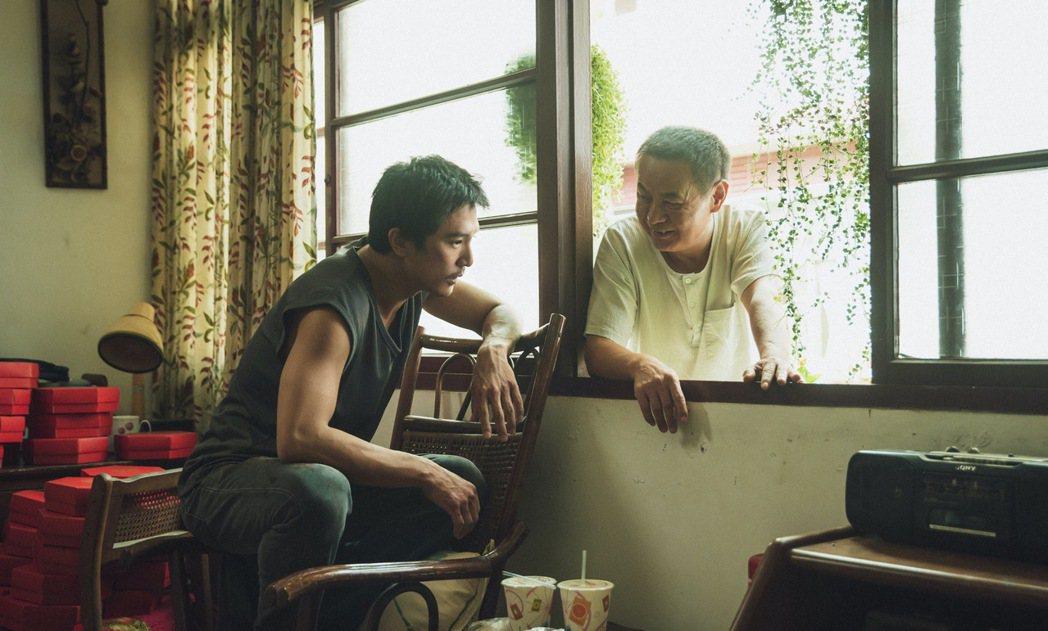 蔡振南在片中飾演邱澤的老父。圖/金盞花大影業提供