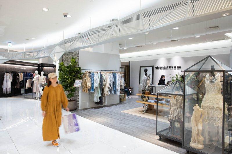 SOGO復興館集結8位國內知名設計師,在5樓打造「台灣時尚設計師專區」。記者沈昱嘉/攝影