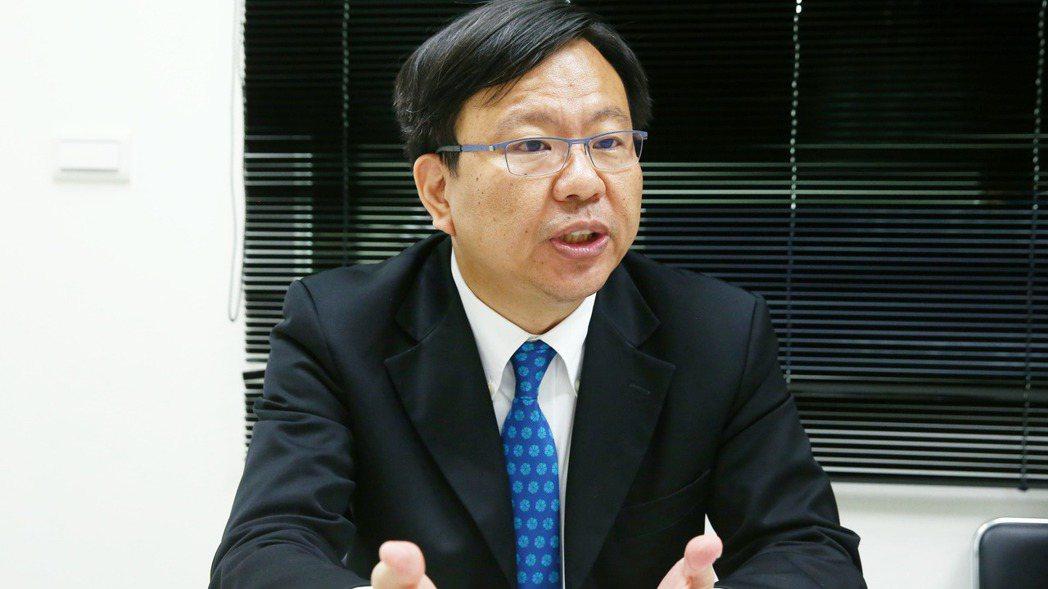 將來銀行總經理劉奕成日前閃辭。本報資料照片