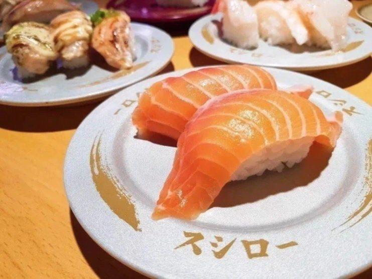 不少民眾為大啖免費壽司,改名成「鮭魚」。 圖/聯合報系資料照片