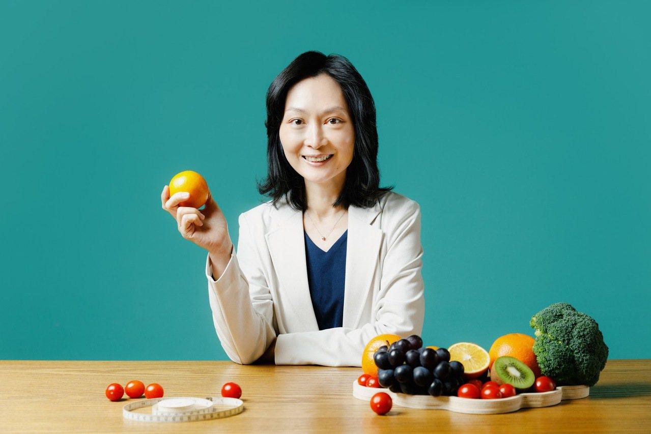 營養師陳頡燕認為,飲食均衡搭配心情放鬆,瘦身才不容易失敗。  圖/陳軍杉 攝影