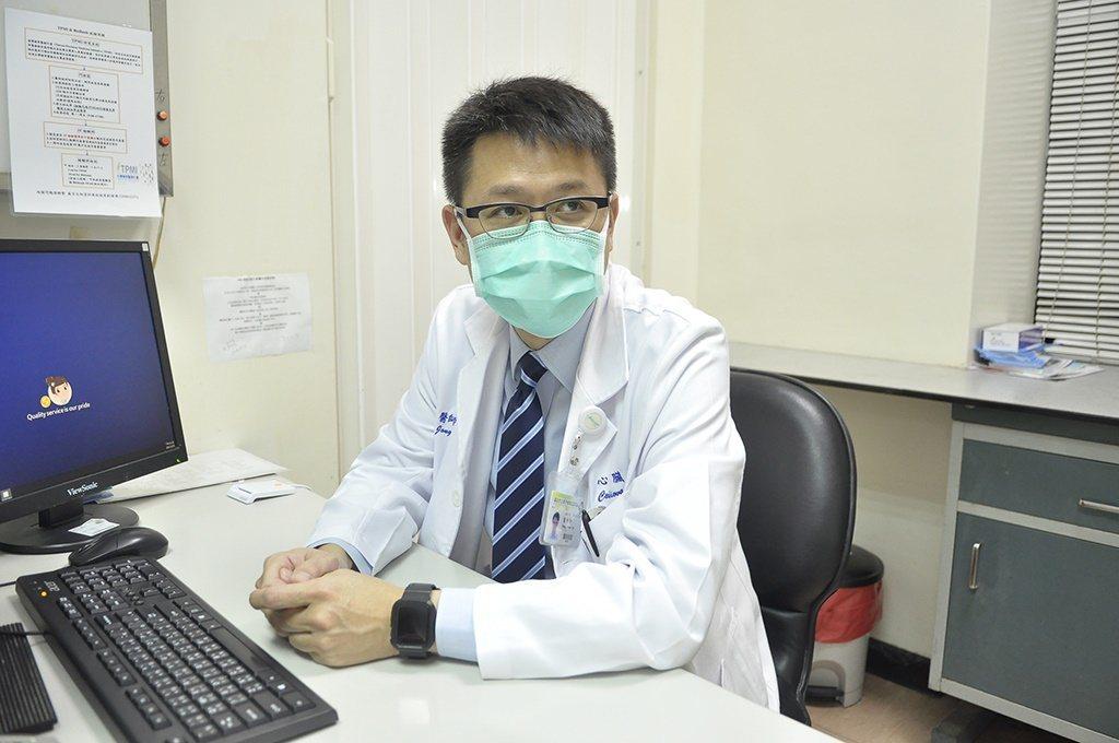 萬芳醫院心臟血管內科主治醫師葉仲軒提醒,有高血壓史的民眾應多注意保暖,至少一天應...