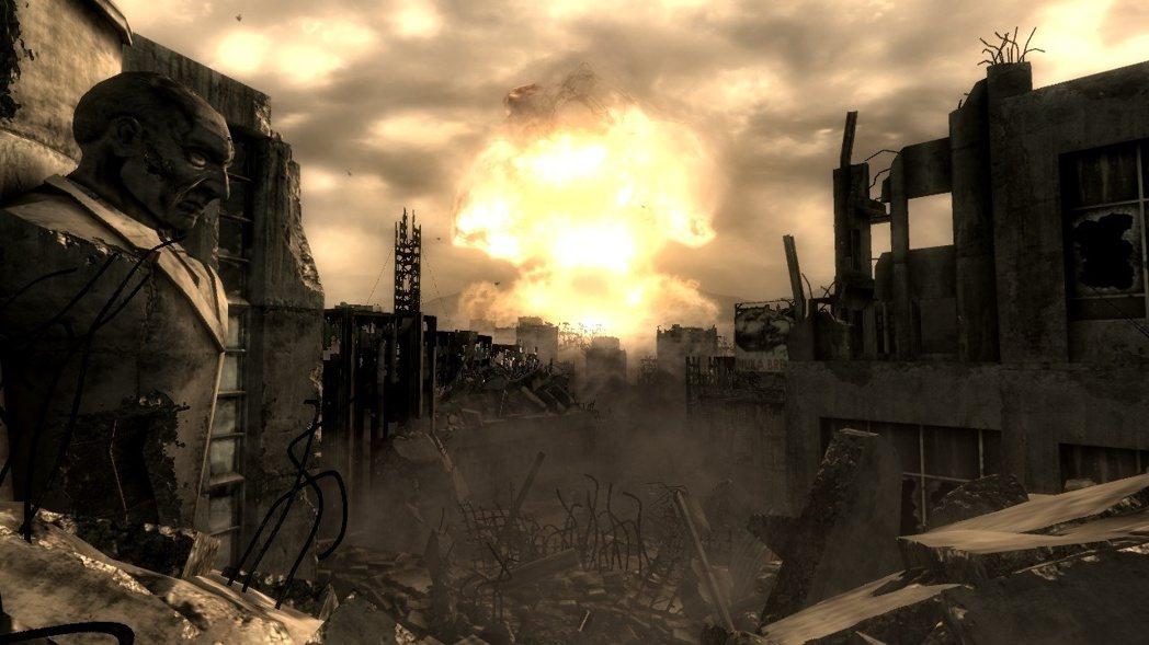 核彈爆炸,蕈狀雲升上天空……