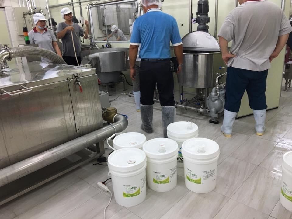 食品加工廠採用美國Biozone清潔劑。業者/提供。