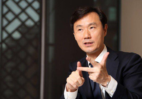 圖/樂天國際銀行總經理佐伯和彥。陳之俊攝影