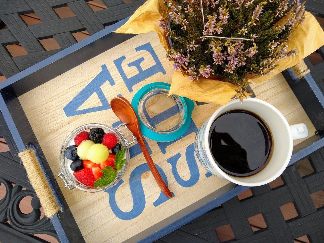 圖文:美國番媽/食譜/希臘優格傳統老燕麥水果