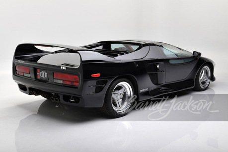 超稀有!塞進Lamborghini V12引擎的美國超跑Vector M-12!