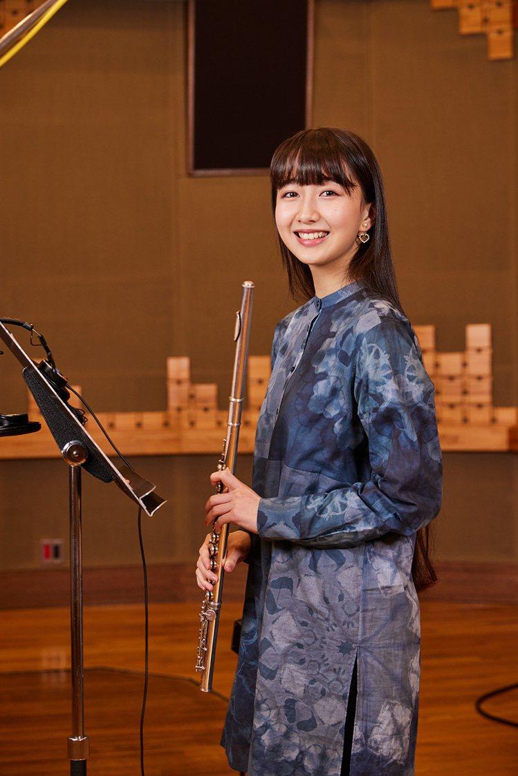 木村心美從小學習長笛。圖/環球音樂提供