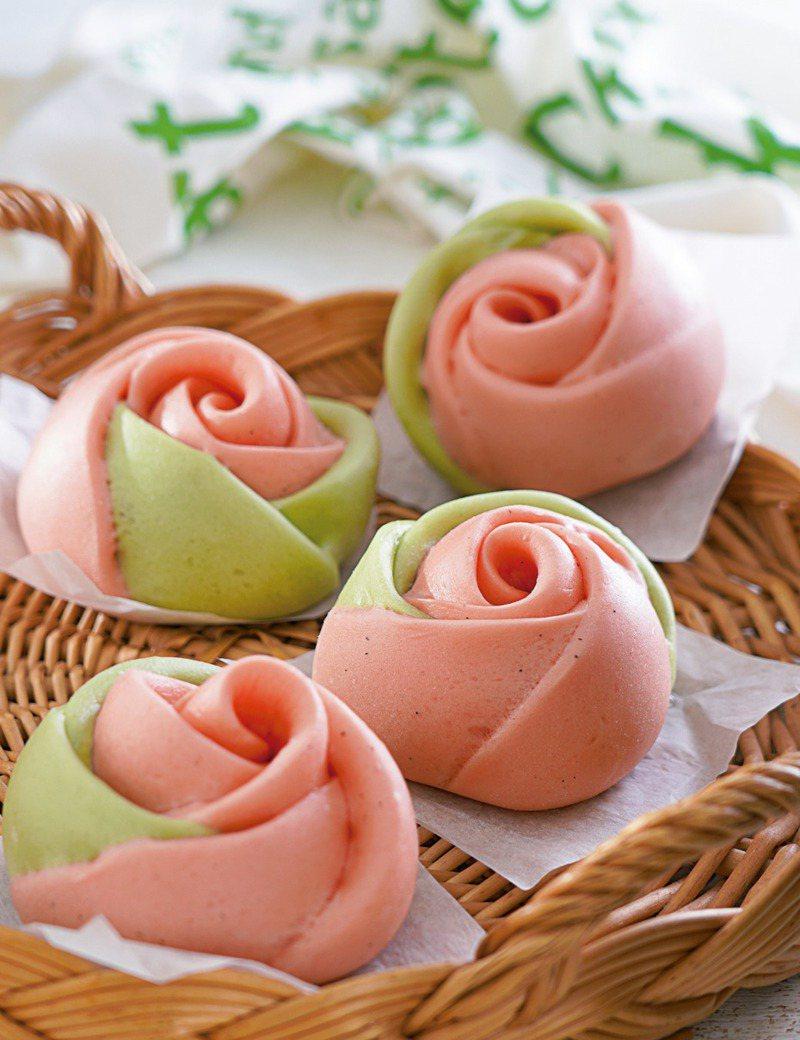 自製超華麗的玫瑰花饅頭。圖/橘子文化提供