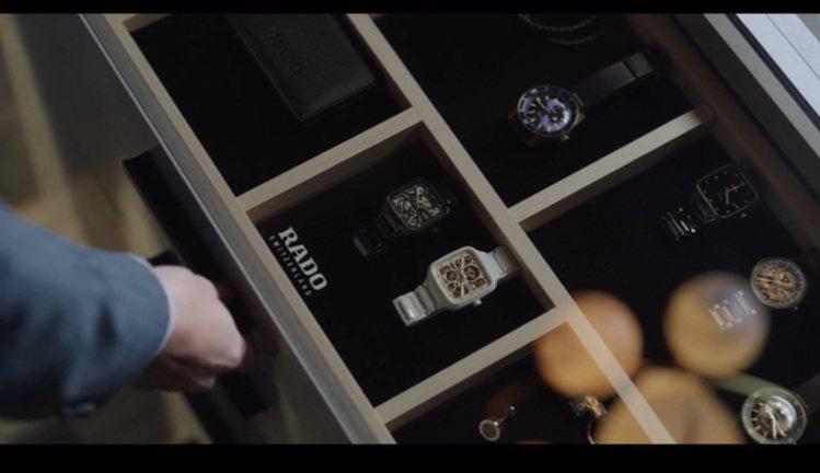 最新「黑道律師文森佐」第八集中,玉澤演大秀雷達(RADO)腕表收藏。圖 / 翻攝...