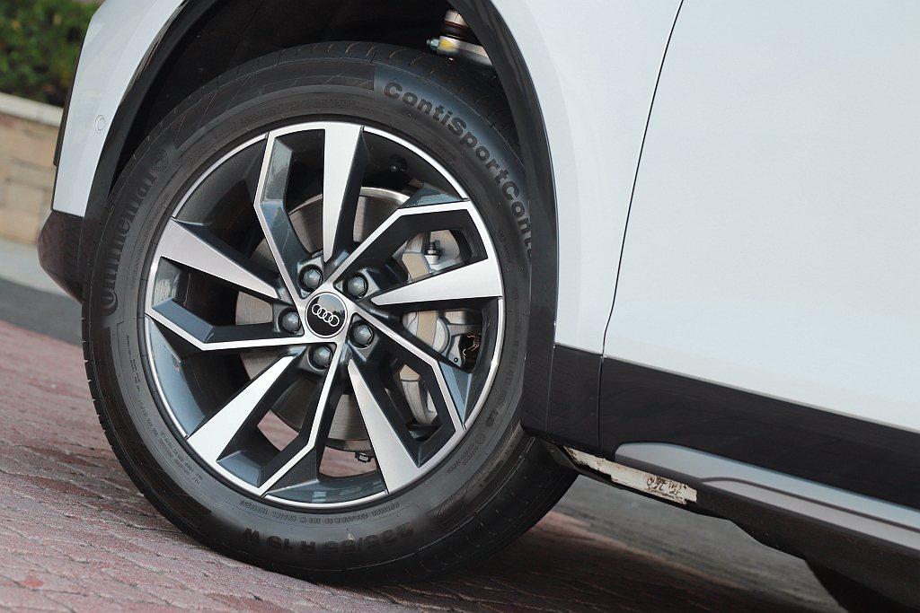 Audi Q5 45 TFSI quattro Edition One車型升級石...