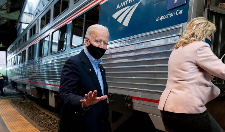 美國總統拜登從成為聯邦參議員起就以愛搭火車聞名,有「美鐵喬」的稱號。美聯社