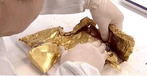 三星堆五號祭祀坑中出土了大量的黃金製品,其中最獨特的是發掘出了金面具。取自北京日...