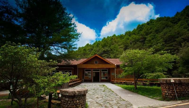 玉山國家公園登山報到地點排雲登山服務中心。圖/玉管處提供
