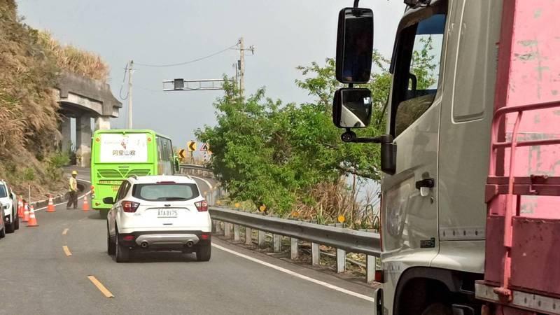 阿里山公路68K至69K下午3點搶通通車。圖/阿里山工務段提供