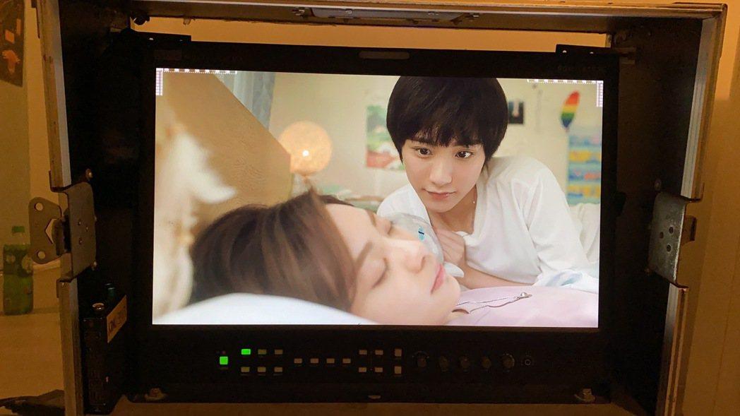 陳加恩在網劇「親愛的天王星」碰到偷看喜歡的人情節,自己也覺得害羞。圖/周子娛樂提...