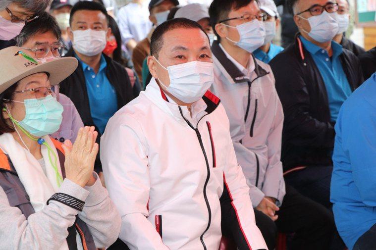 新北市長侯友宜表示,第一批中央配給新北市3800劑AZ疫苗,連醫護同仁施打都還不...