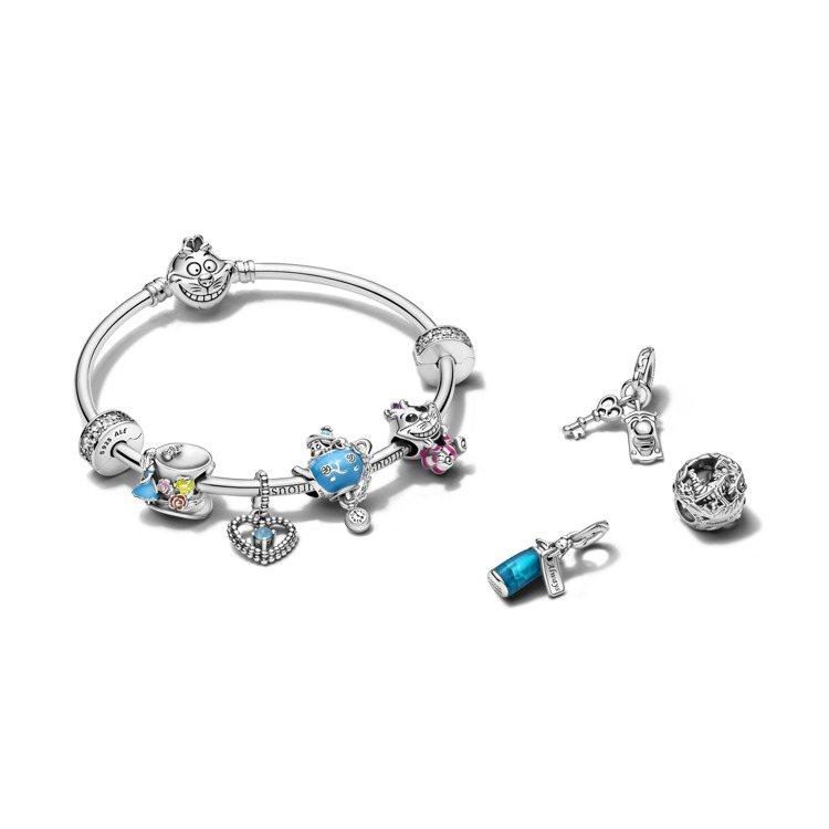 Disney x Pandora「愛麗絲夢遊仙境」系列上市。圖/Pandora提...